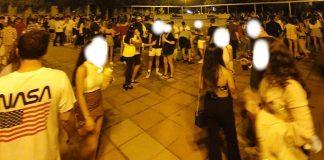 Botellón en la Plaza de España